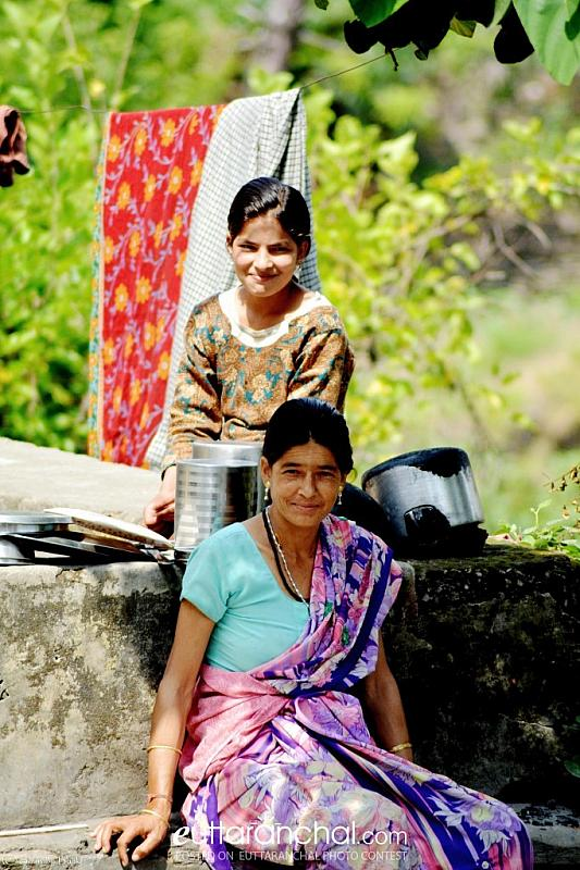 SIMPLE SOULS OF THE HILLS….SO NATURALLY, MAA-BETI TOGETHER …