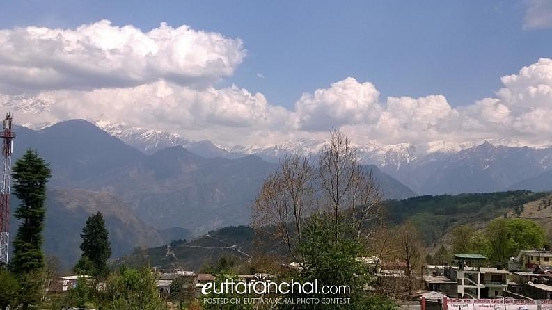 View of of Himalayas with Panchahuli peak from Munsyari