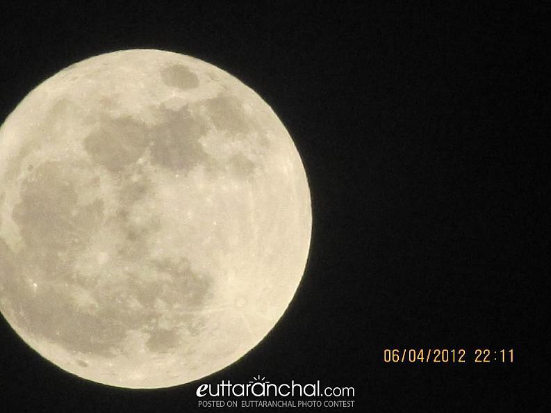 Full moon from the Rishikesh