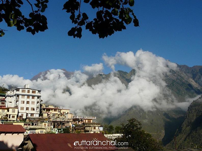 Misty Clouds over Joshimath