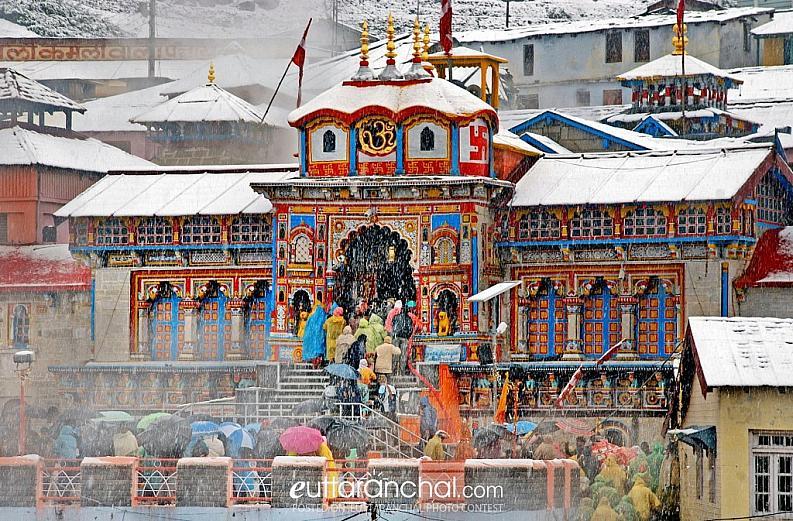 Snow capped Badrinath