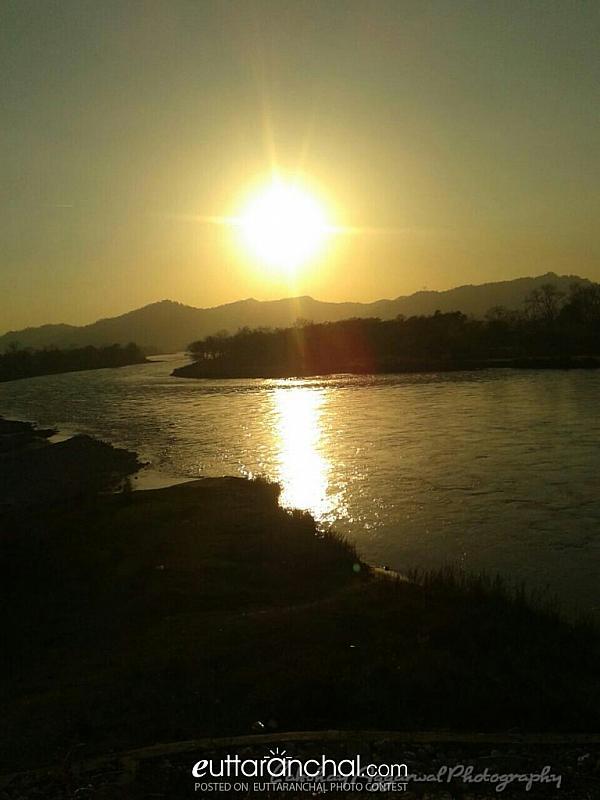 SUNSET REFLECTING BEAUTY OF SUN