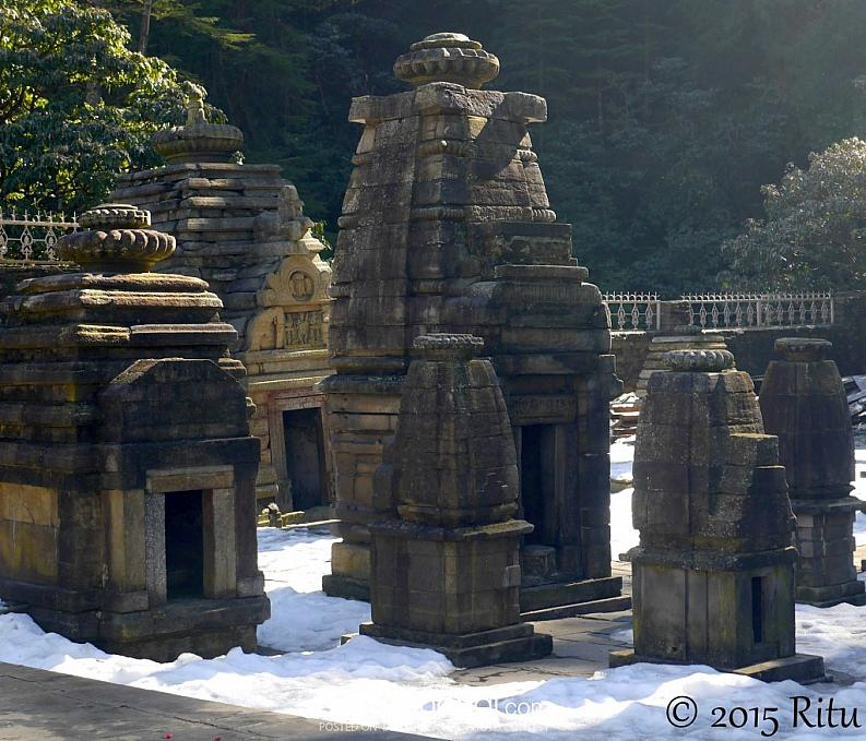 Jageshwar Temple adorned by snow