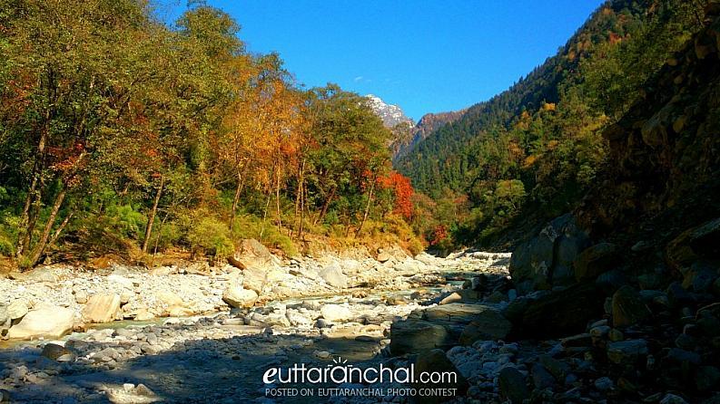 Beautiful Pinder River Valley