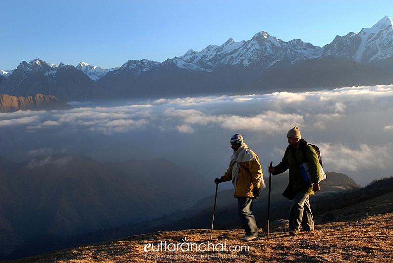 Trekkers on Khalia top