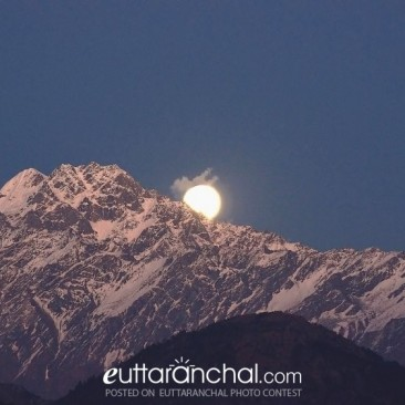 Moon rise at the Panchachuli peaks