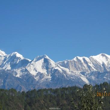 ग्वाल्दम से त्रिशुली पर्वत का एक मनमोहक दृश्य