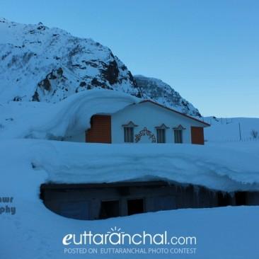 Snowbound Badrinath