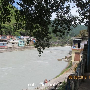 Along the Banks of the Saryu in Bageshwar