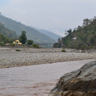 Saryu River flowing