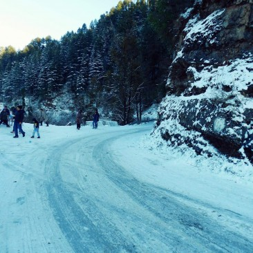 First Snowfall of 2015 in Dhanaulti
