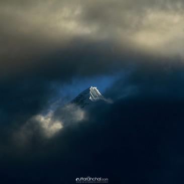 Clouds overlaying Himalaya