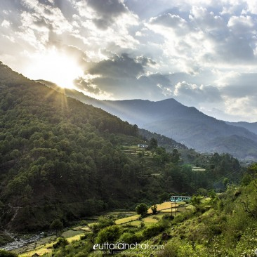 Sunset on the way from Uttarkashi to Barkot