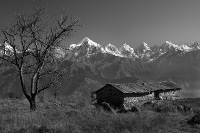 Paanch chuli peaks and hut
